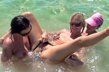 Egypt porn with hot bikini girls: Day 4 - Girl on girl sex on the beach